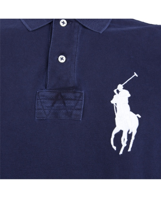 Ralph Luaren Polo - the rider and horse are facing the center buttons.